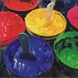 Các hóa chất trong một xưởng in lụa